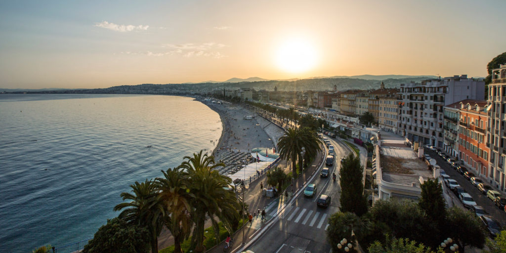 Guided bike tours and rentals in Nice